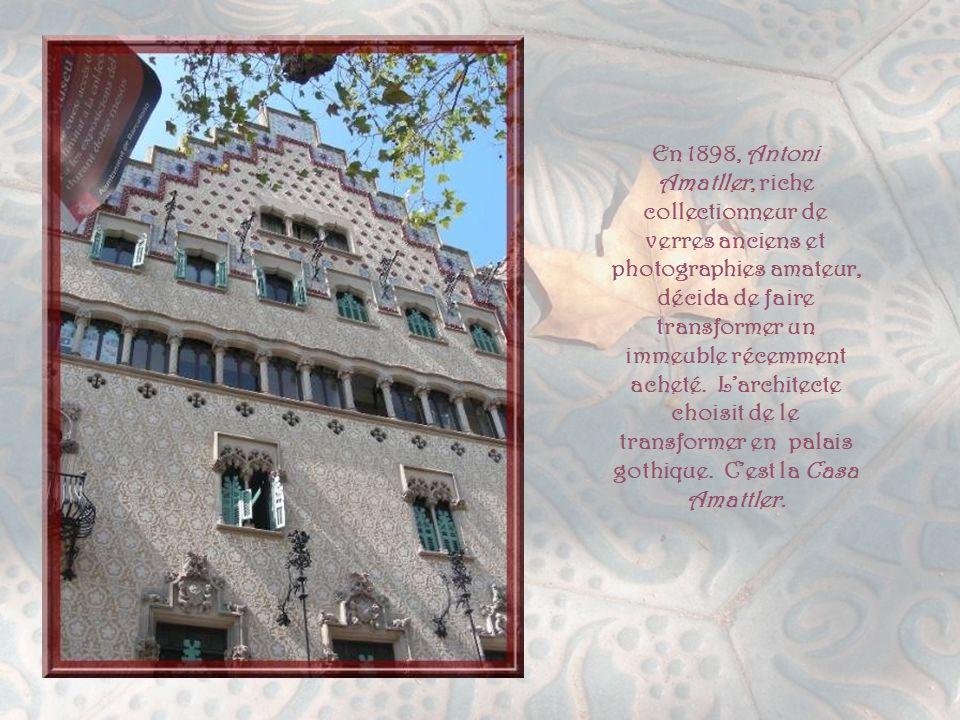 La Casa Lleo Morera est une œuvre de l'architecte le plus proche du style Renaissance.