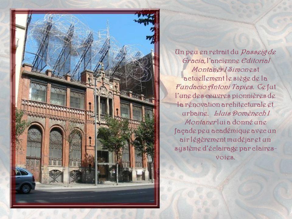 Egalement redevable à Gaüdi, la Casa Mila plus connue sous le nom de La Perdrera, fut bâtie en 1906. Pere Mila, qui la fit bâtir, aimait le luxe et le