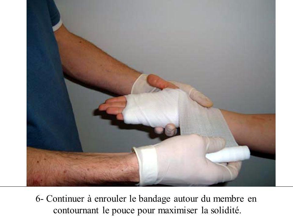 6- Continuer à enrouler le bandage autour du membre en contournant le pouce pour maximiser la solidité.