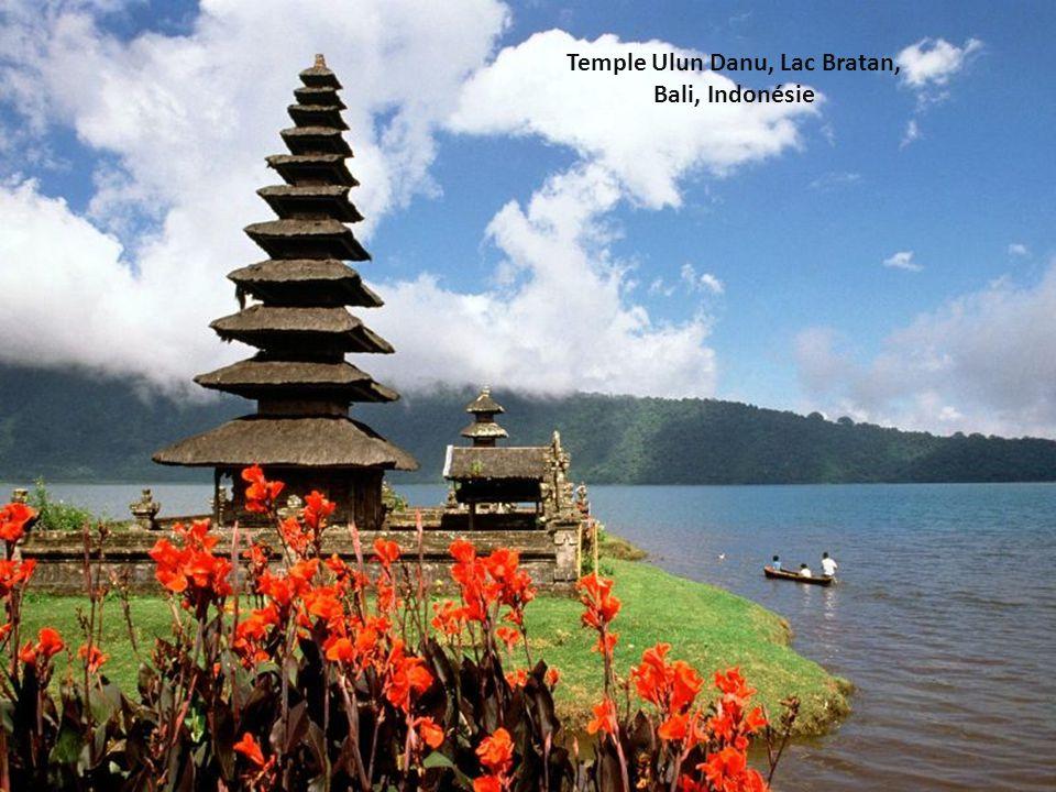 Temple Ulun Danu, Lac Bratan, Bali, Indonésie