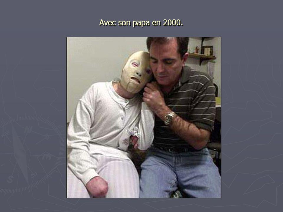 Avec son papa en 2000.