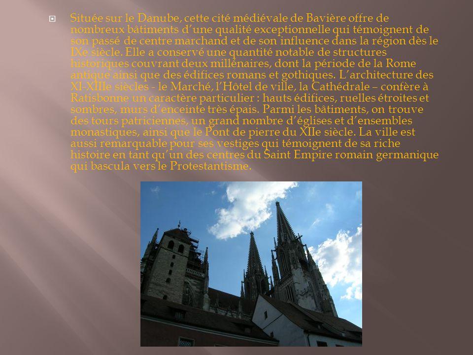  Située sur le Danube, cette cité médiévale de Bavière offre de nombreux bâtiments d'une qualité exceptionnelle qui témoignent de son passé de centre marchand et de son influence dans la région dès le IXe siècle.