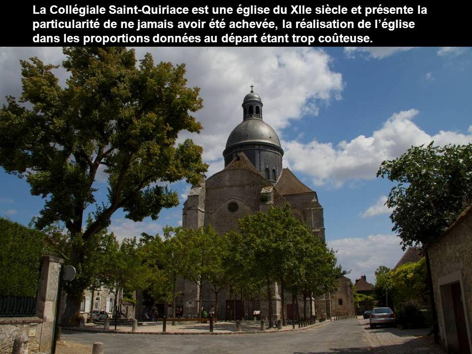 Vue de Provins du haut de la tour César.