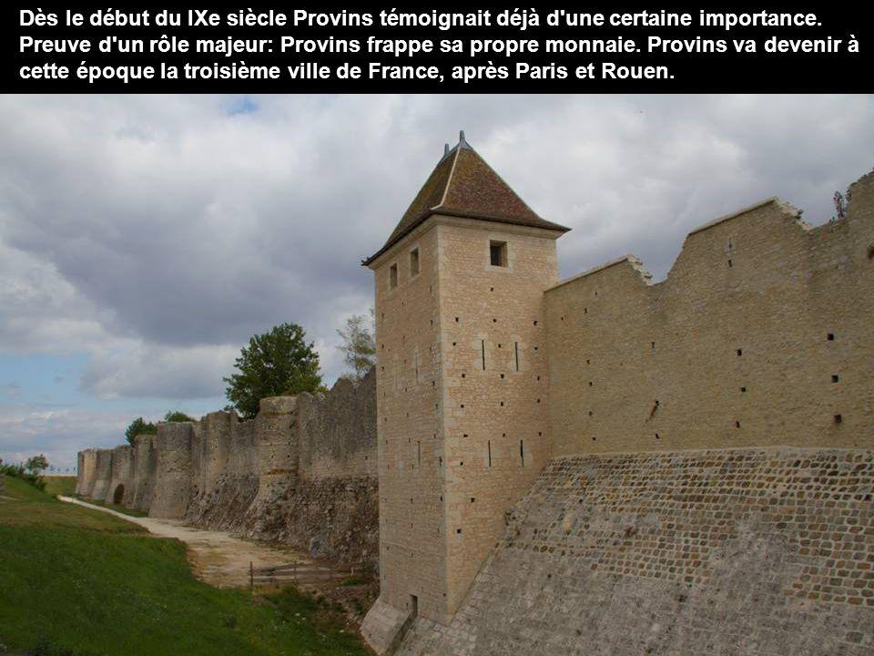 Provins est située à 77km au sud-est de Paris, sous- préfecture de Seine-et-Marne Provins est inscrite depuis le 13 décembre 2001 sur la liste du patrimoine mondial de l UNESCO.