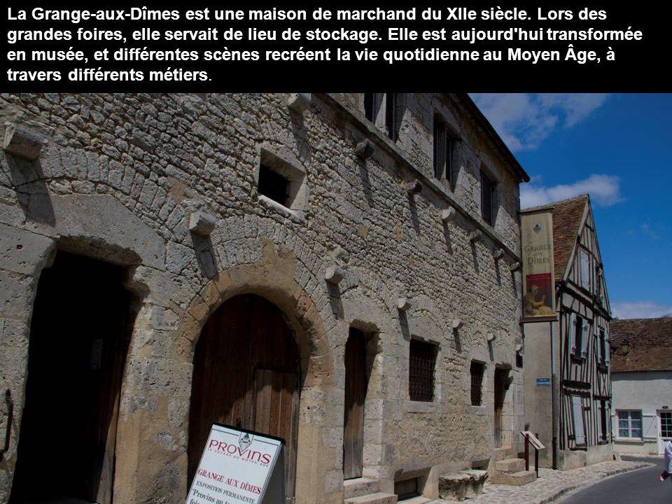 Provins est la capitale de la confiserie à la rose.