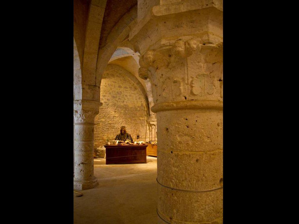La Grange-aux-Dîmes est une maison de marchand du XIIe siècle.