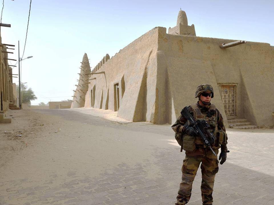 Une explosion a retenti lundi dans la grande ville du nord du Mali, reprise par les soldats français et maliens et déjà cible de deux attentats suicides en 48 heures.… 11 FEVRIER 2013