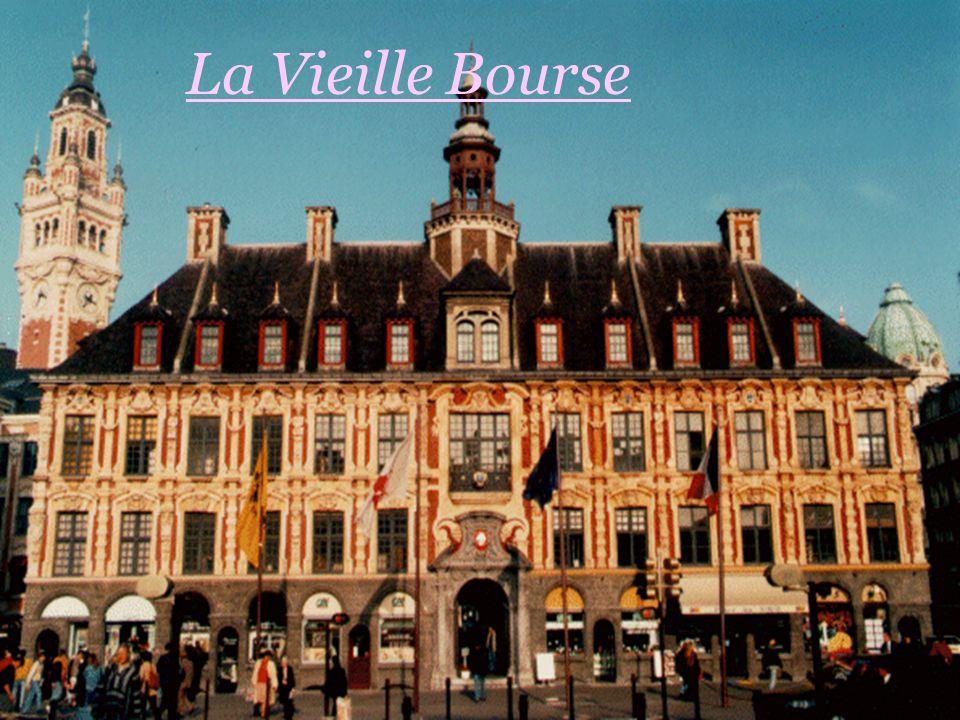 La Vieille Bourse de Lille,à été ainsi appelée dans les années 1910, depuis la construction de la chambre de commerce et d'Industrie.