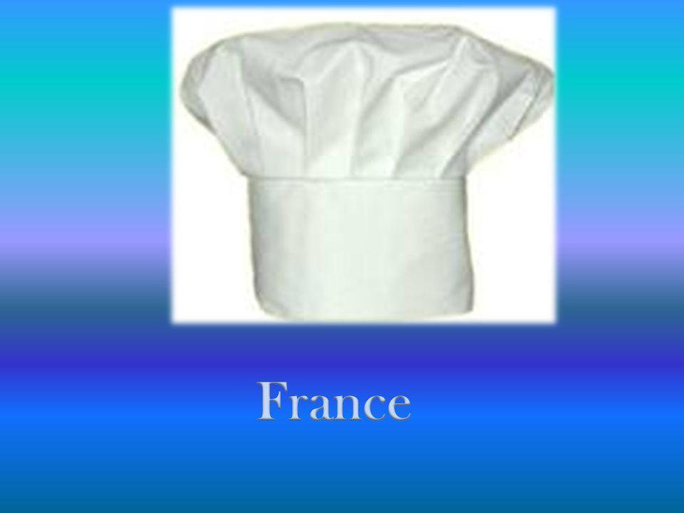 Sel + Poivre Pâte brisée Noix de muscade 200 g de lardons 200 g de crème fraiche 3 œufs 200 g de gruyère QUICHE LORRAINE Préchauffer le four à 180 °C (Thermostat 6).