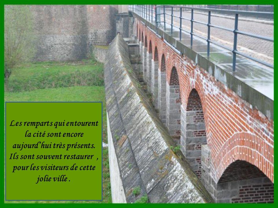 Pont de la porte Valenciennes remparts de la ville