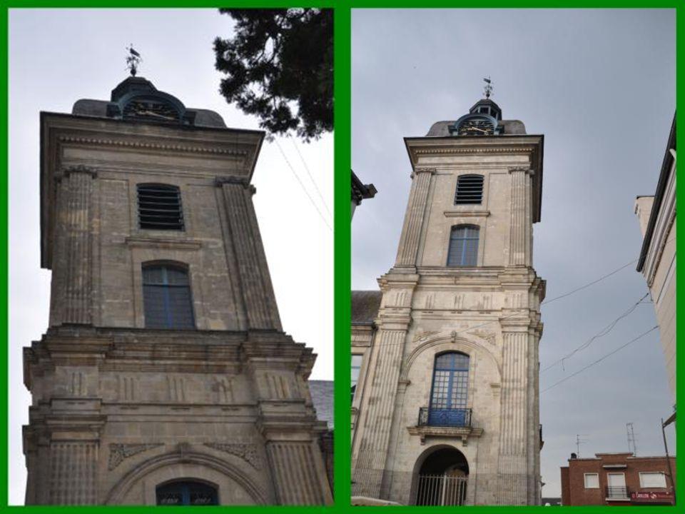 Le Beffroi c'est en 1583 que furent construit le Beffroi et Hôtel de ville.