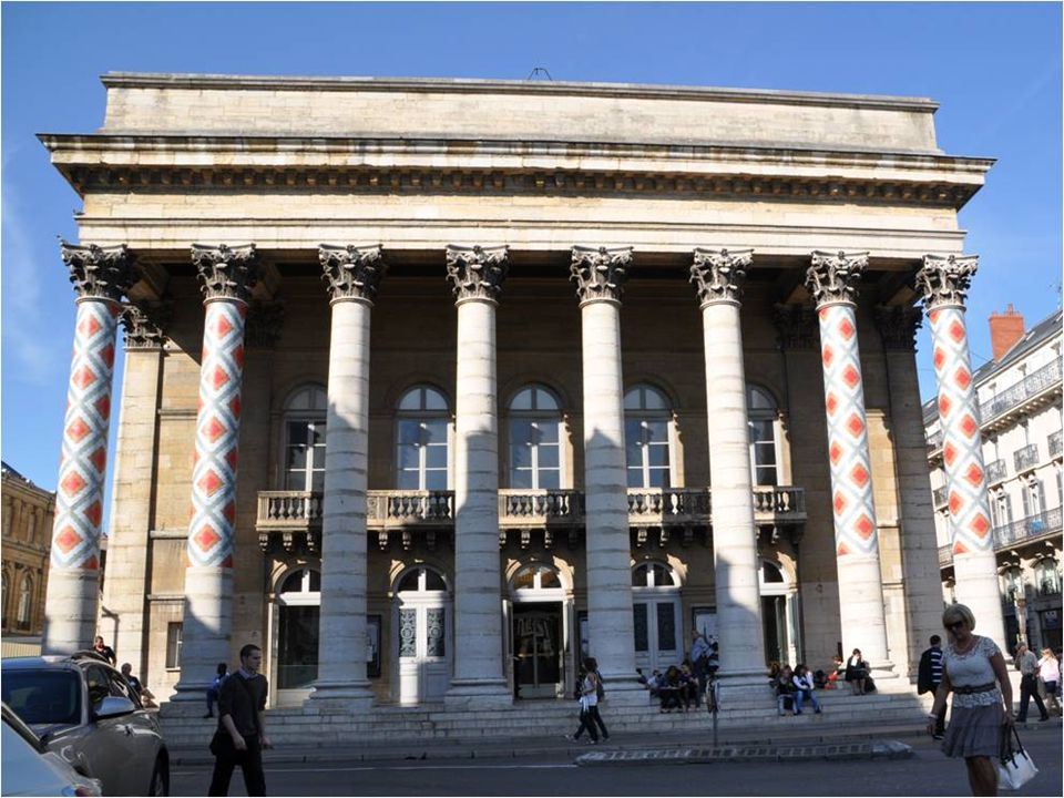 Place de la Libération Ancienne place Royale Puis place des armes