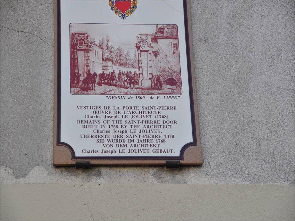 Ah. La belle ville au cent clochers. La phrase est peut-être d'Henri IV où de François premier.