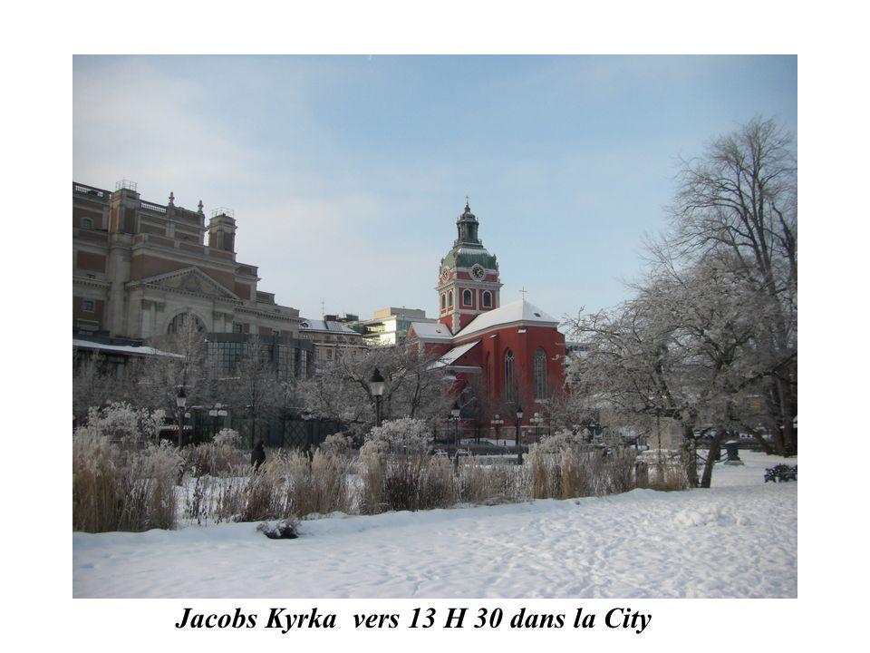 Jacobs Kyrka vers 13 H 30 dans la City
