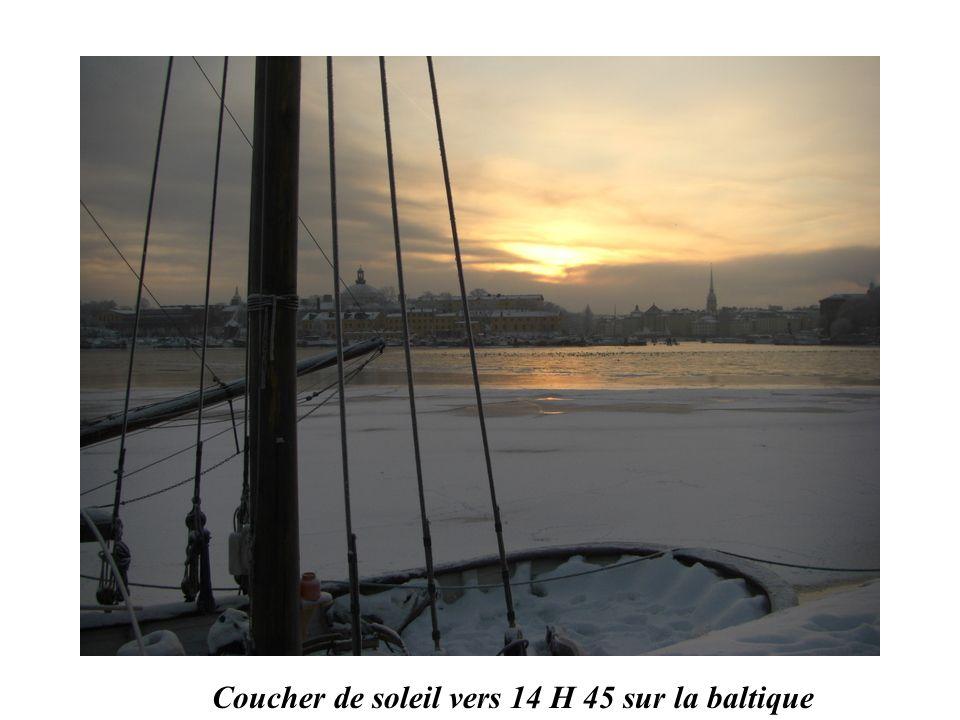 Coucher de soleil vers 14 H 45 sur la baltique