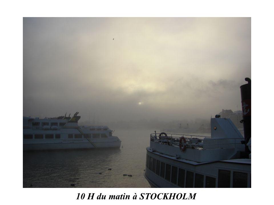 La place Stortorget à Gamla Stan le matin vers 10 H 30