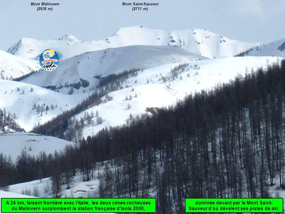 dominée devant par le Mont Saint- Sauveur d'où dévalent ses pistes de ski. A 24 km, faisant frontière avec l'Italie, les deux cimes rocheuses du Malin