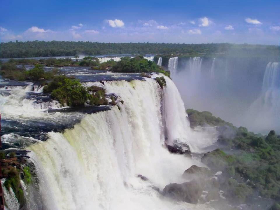 Les chutes d'Iguazu à la frontière brésilienne