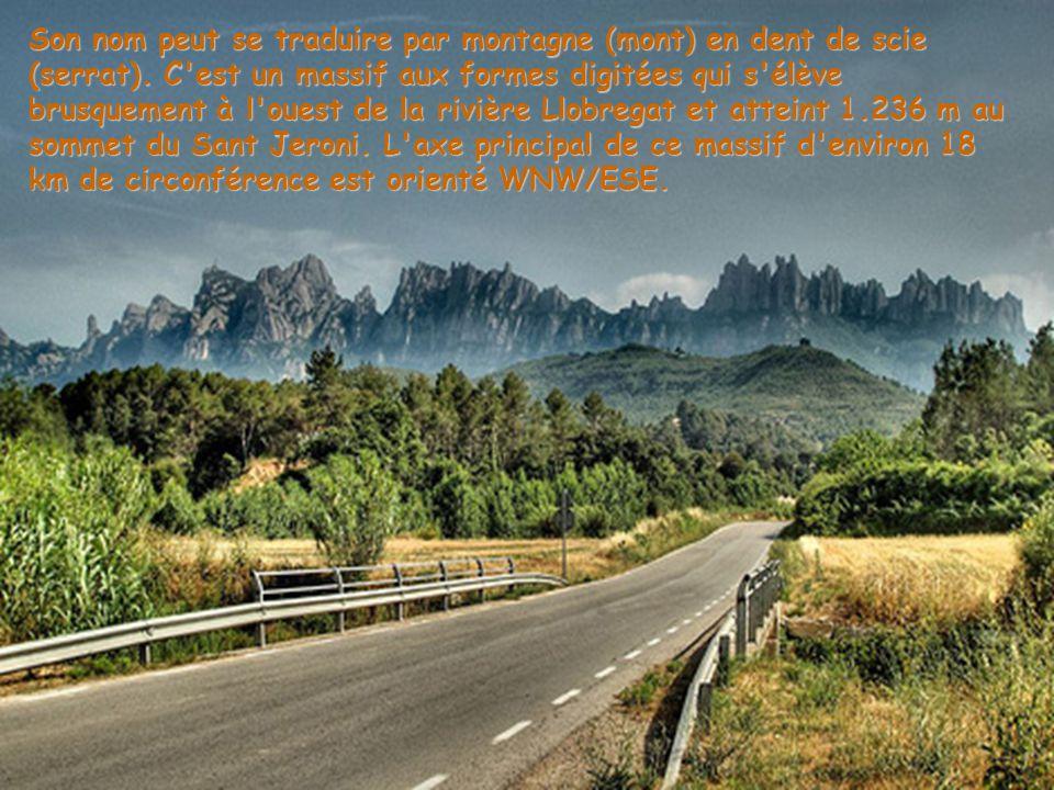 Son nom peut se traduire par montagne (mont) en dent de scie (serrat).