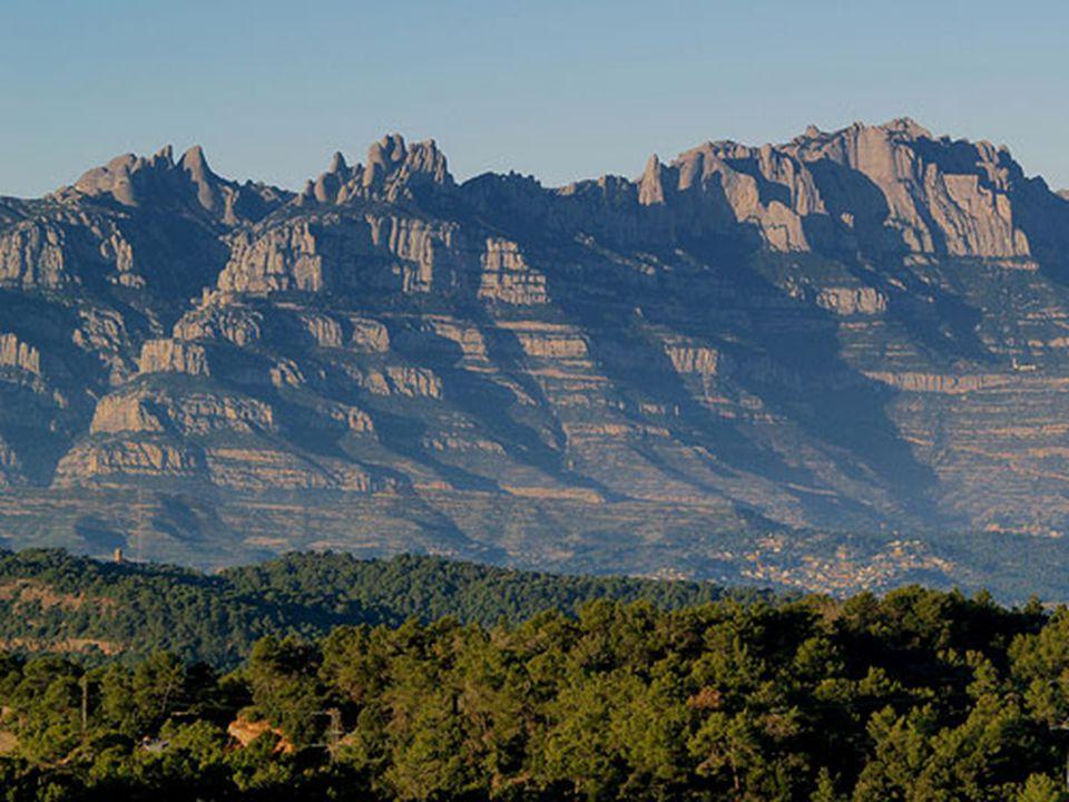 Montserrat est le paradis des grimpeurs, son accessibilité et ses parois composées de conglomérats aux prises multiples en font une destination privil