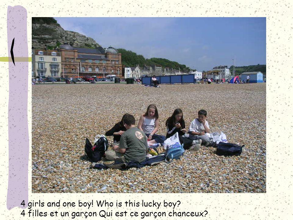4 girls and one boy! Who is this lucky boy? 4 filles et un garçon Qui est ce garçon chanceux?