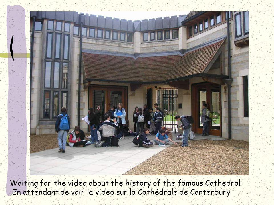 Waiting for the video about the history of the famous Cathedral,En attendant de voir la video sur la Cathédrale de Canterbury