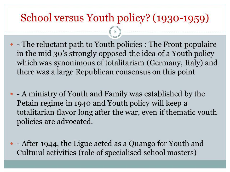 Forgotten school (1960-1990's) - Ealry 60's : Emergence of Youth policy in France, especially regarding leisure and citizenship (Animation i.e Youth and Community Work) - Social decline of school masters - Centrality of school questionned - (difficult)Emergence of the new professionalized animateurs (Youth and Community workers) who defined themselves partly against both school masters and social workers - Training of these workers being mainly carried out by the the Youth mouvements (not universities) 6