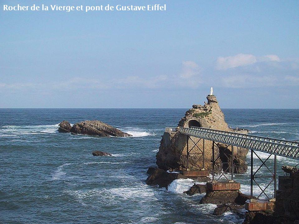 Plage du Port Vieux Vue sur Rocher de la Vierge