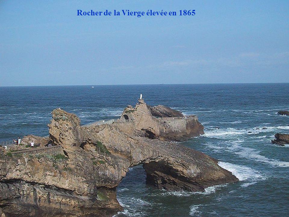 Rocher de la Vierge et pont de Gustave Eiffel