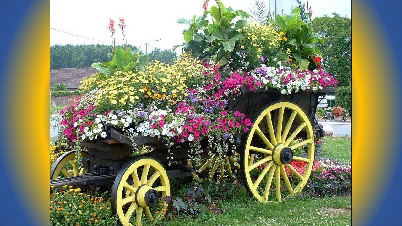 Pour mettre un peu de délicieuse fantaisie Dans un décor merveilleusement fleuri, L'artiste a fait preuve de créativité, Il s'est glissé dans la mémoire du passé…