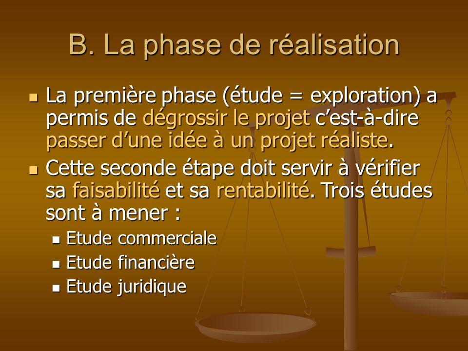 ETUDE COMMERCIALE Le marché Le marché Définir la stratégie (plan) Définir la stratégie (plan) Choisir les actions commerciales Choisir les actions commerciales