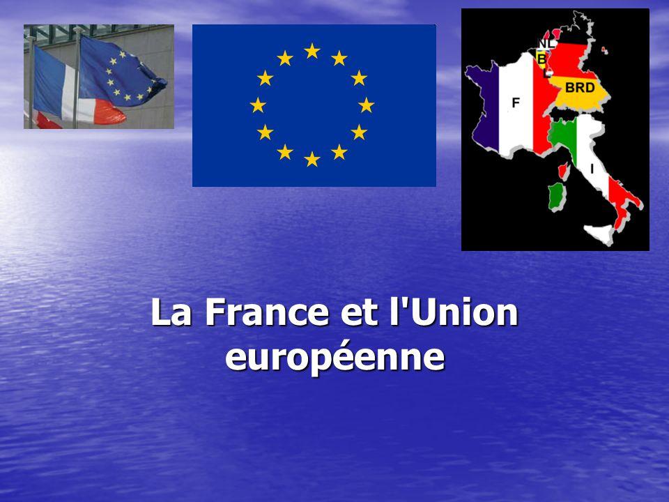 L'Union européenne (UE) est une union intergouvernementale et supranationale composée de 27 États née le 7 février 1992, lors de la signature du traité sur l Union européenne à Maastricht par les 12 Etats membres de la CEE L'Union européenne (UE) est une union intergouvernementale et supranationale composée de 27 États née le 7 février 1992, lors de la signature du traité sur l Union européenne à Maastricht par les 12 Etats membres de la CEE1992traité sur l Union européenneMaastricht1992traité sur l Union européenneMaastricht États membres de l union européenne États membres de l union européenne L Union européenne est dotée de cinq institutions, qui jouent chacune un rôle spécifique : L Union européenne est dotée de cinq institutions, qui jouent chacune un rôle spécifique : le Parlement européen, dont les membres sont directement élus par les citoyens des États membres, a un rôle co-législatif avec le Conseil de l Union et vote seul le budget ; le Parlement européen, dont les membres sont directement élus par les citoyens des États membres, a un rôle co-législatif avec le Conseil de l Union et vote seul le budget ;Parlement européenParlement européen la Commission européenne (moteur de l Union et son organe exécutif) ; la Commission européenne (moteur de l Union et son organe exécutif) ;Commission européenneCommission européenne le Conseil de l Union européenne (composante législative de l Union où se réunissent les ministres par spécialité, représentant les gouvernements des États membres) ; le Conseil de l Union européenne (composante législative de l Union où se réunissent les ministres par spécialité, représentant les gouvernements des États membres) ;Conseil de l Union européenneConseil de l Union européenne la Cour de justice (garantie du respect de la législation et en même temps créatrice de droit européen) ; la Cour de justice (garantie du respect de la législation et en même temps créatrice de droit européen) ;Cour de justiceCour de justice la Cour des co