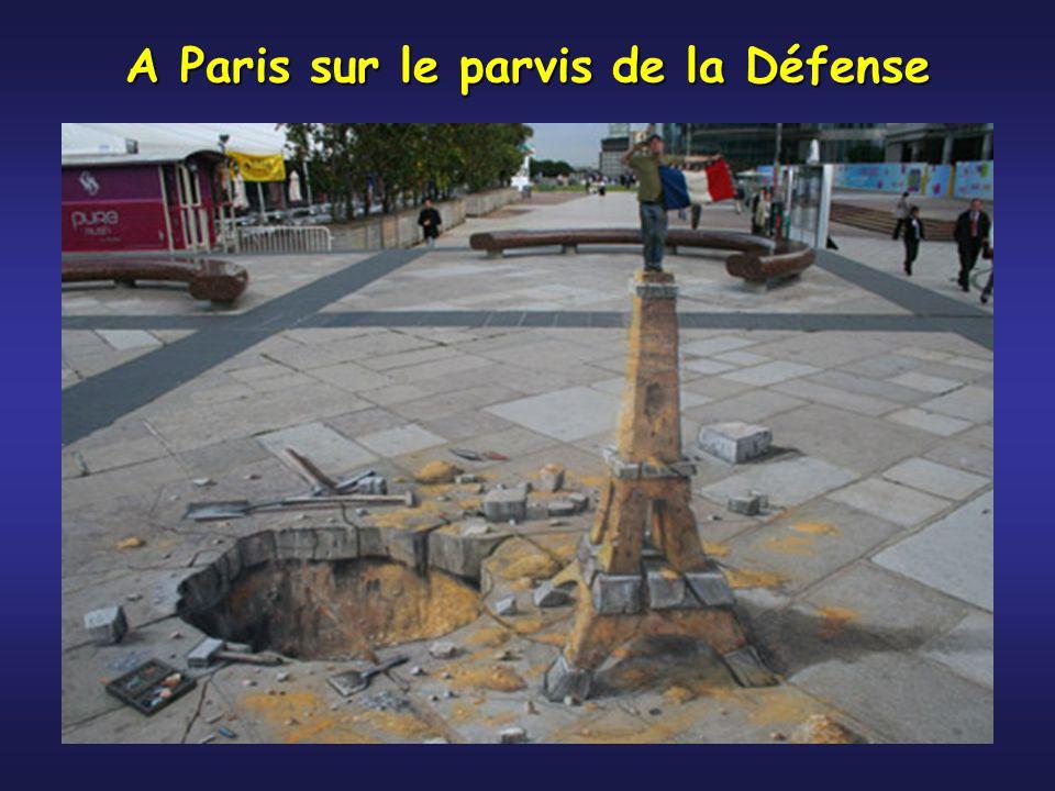 A Paris sur le parvis de la Défense
