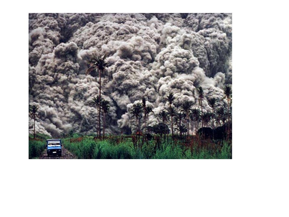 Gèze en 1964 propose une autre classification se basant à la fois sur le dynamisme du volcan et sur la qualité des matériaux prédominants émis lors de l'éruption volcanique « Classification admise et utilisée mais reste difficile à l'emploi car elle prête souvent à a confusion car un même volcan peut présenter plusieurs modalités de dynamisme au cours du même et seule phase éruptive » Gèze (1964)