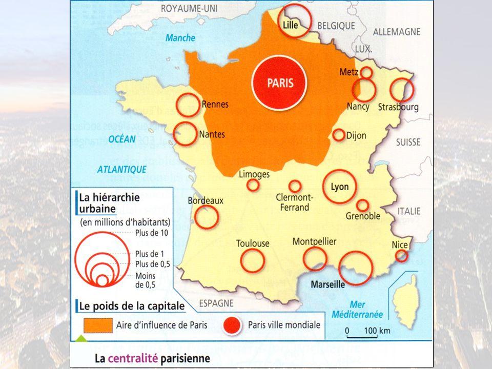 1.Quelle place occupe l'aire urbaine parisienne dans la hiérarchie française .