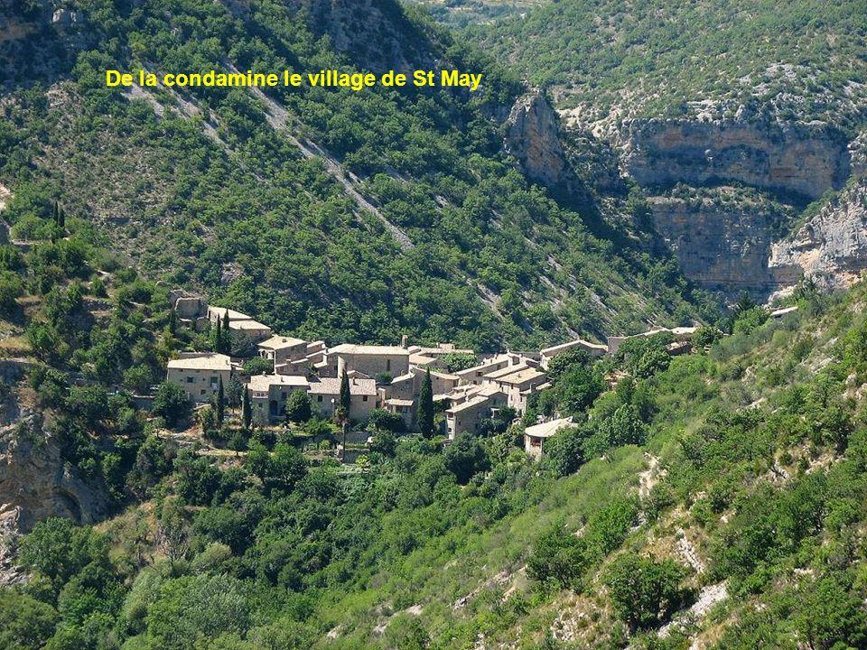 De l'Adret de Vic, la citadelle de Montbrun