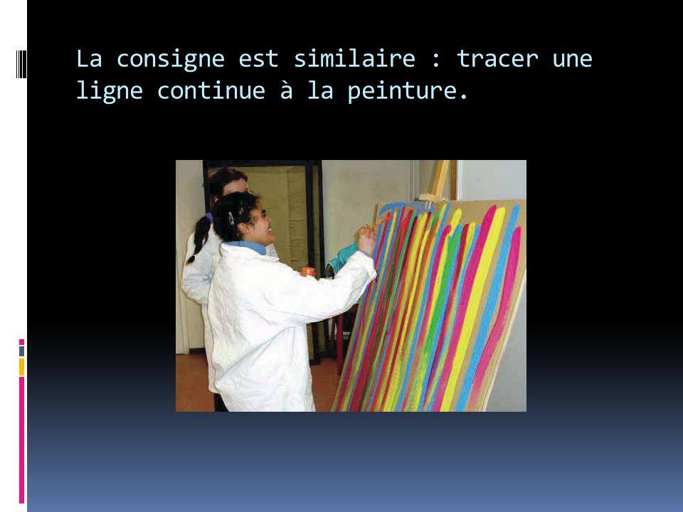 La consigne est similaire : tracer une ligne continue à la peinture.