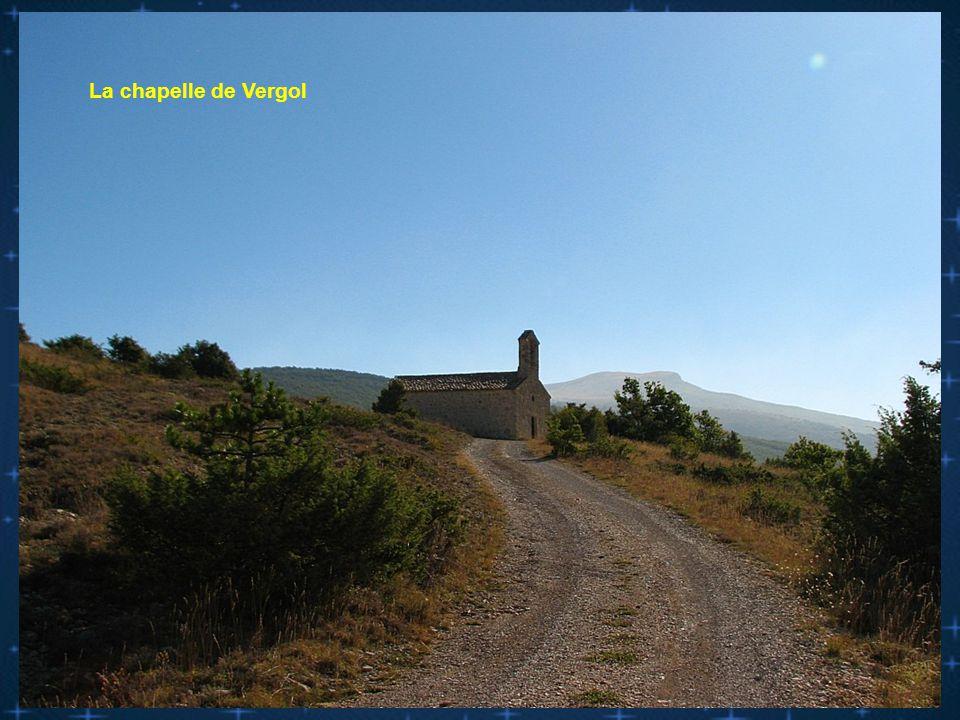 l Au col de l' Aiguillon la chapelle de Vergol