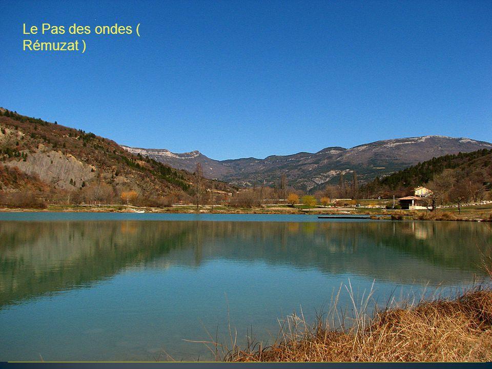 Le Toulourenc en dessous le village de Veaux La vallée du Toulourenc ( Mt Ventoux )
