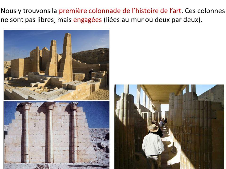 Nous y trouvons la première colonnade de lhistoire de lart. Ces colonnes ne sont pas libres, mais engagées (liées au mur ou deux par deux).