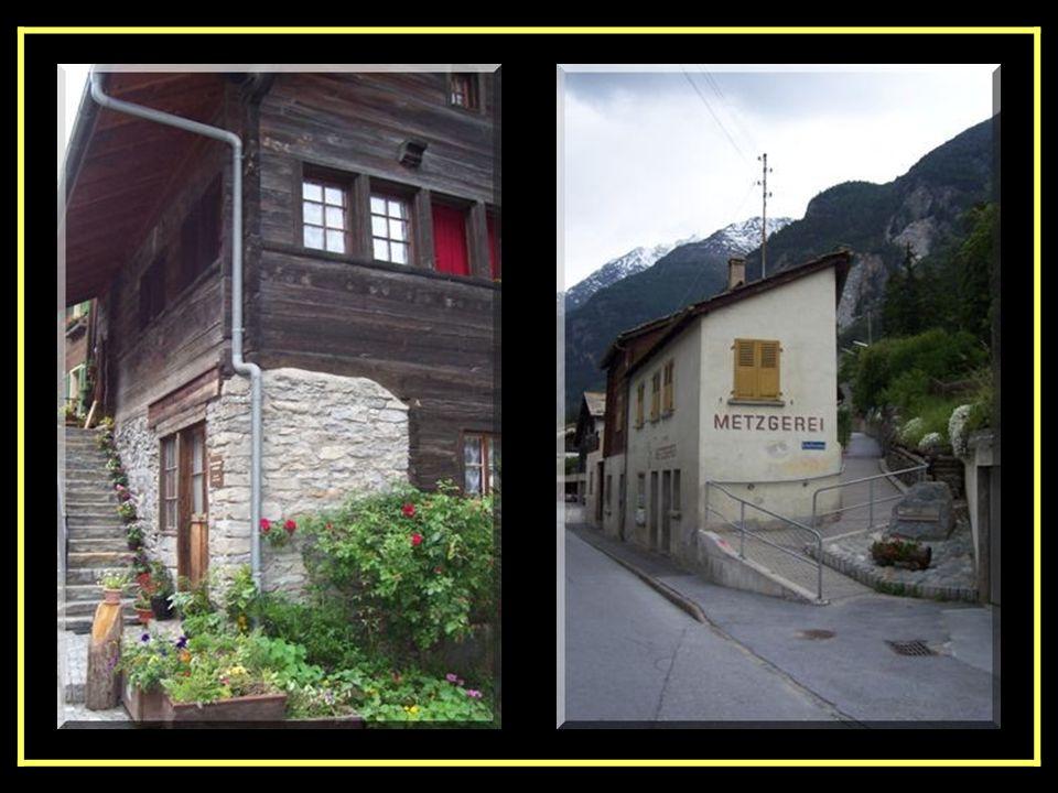 Le Glacier Express venant de Zermatt