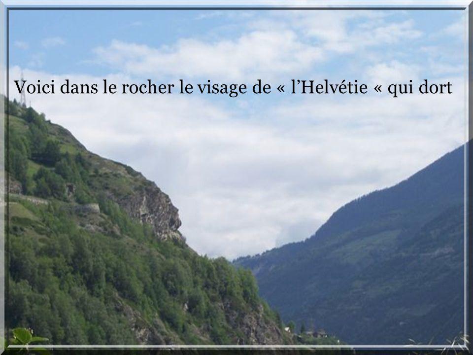 Un précipice de 300 m se trouve en dessus du pont le plus haut dEurope, près de St.Nicolas