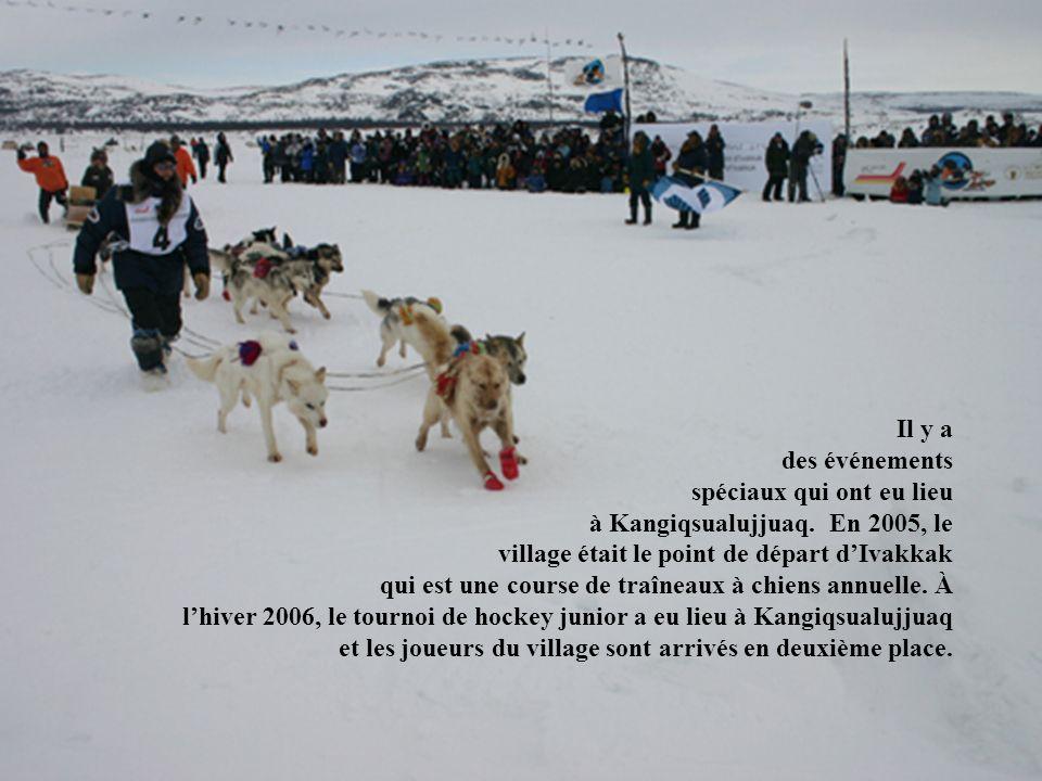 Il y a des événements spéciaux qui ont eu lieu à Kangiqsualujjuaq. En 2005, le village était le point de départ dIvakkak qui est une course de traînea