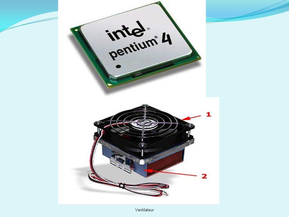 Le processeur (ou micro-processeur) Dénition : Processeur dont tous les éléments sont miniaturisés et rassemblés sur une puce en un seul ou en plusieu
