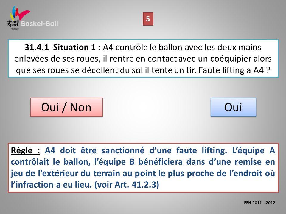 31.4.1Situation 1 : A4 contrôle le ballon avec les deux mains enlevées de ses roues, il rentre en contact avec un coéquipier alors que ses roues se décollent du sol il tente un tir.