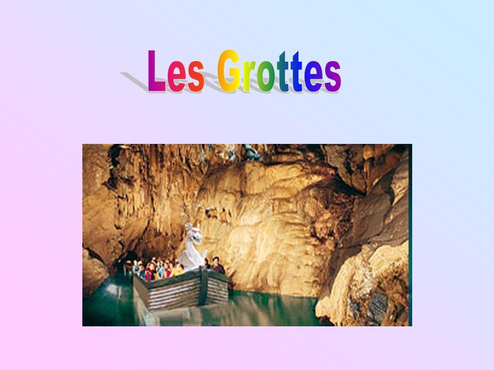 Nous, Letticia et Valérie avons choisi de faire une recherche sur les grottes.