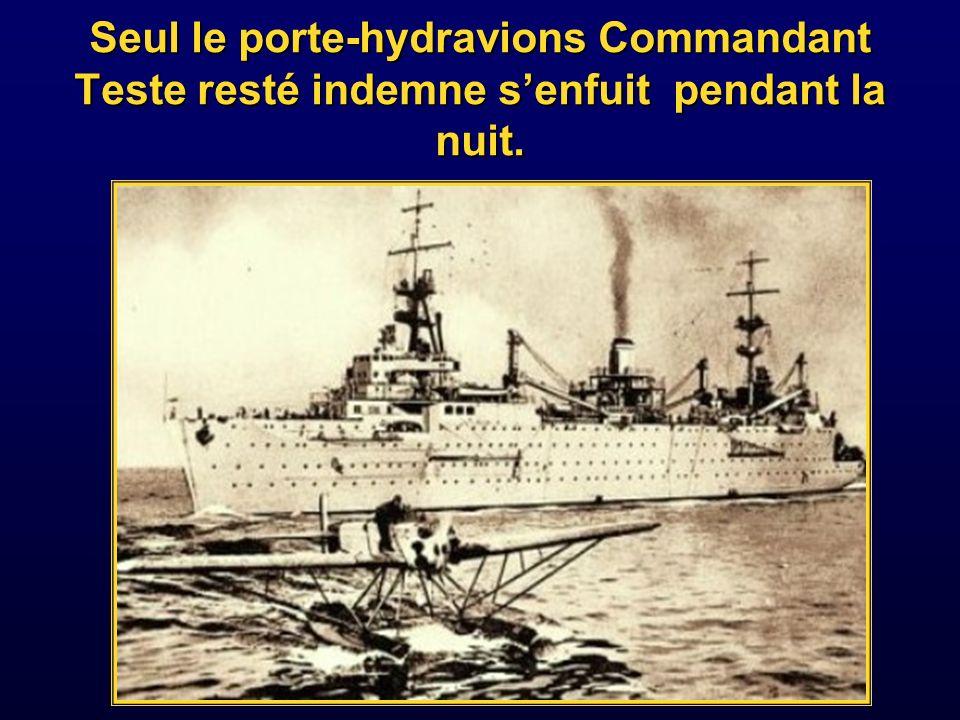 Cinq destroyers ont réussi à quitter la rade suivis par le Strasbourg.