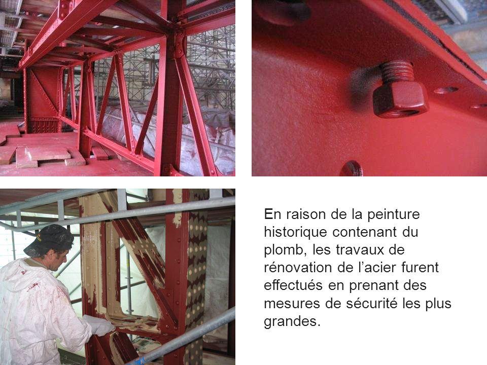 En raison de la peinture historique contenant du plomb, les travaux de rénovation de lacier furent effectués en prenant des mesures de sécurité les pl