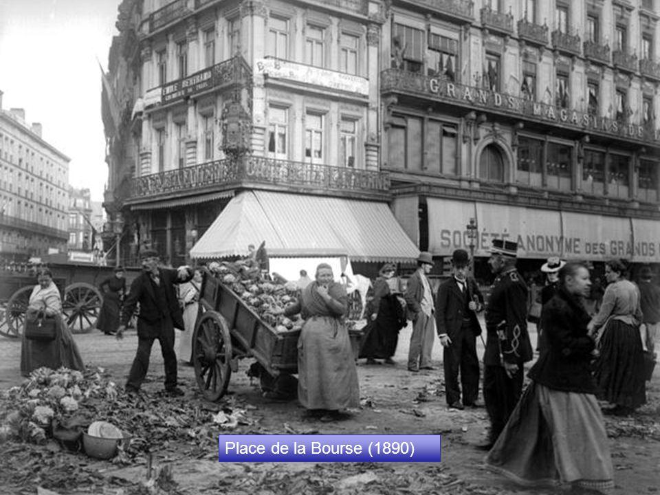 Place Rogier (2008) Par rapport à la photo de la Place Rogier prise en 1950, seul l'hôtel Siru existe encore ! Place Rogier (2008) Par rapport à la ph