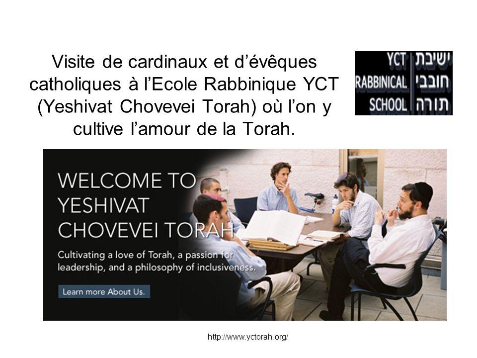 Visite de cardinaux et dévêques catholiques à lEcole Rabbinique YCT (Yeshivat Chovevei Torah) où lon y cultive lamour de la Torah.
